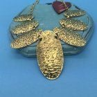 SALE Fashion Jewellery: Large Gold Tone Statement Necklace (S142)