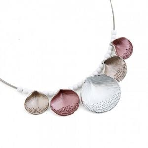 Pretty Fashion Jewellery: Delicate Necklace with Freckled Texture Petals in Pink and Nude Tones