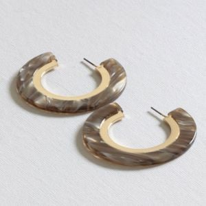 Anne Collection: Statement Marbled Toffee Tone Resin 3/4 Hoop Earrings (BM16)C)