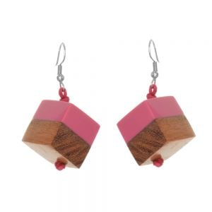 Pink offset resin and natural wood cube drop earrings 1.8 cm (SB65)pk