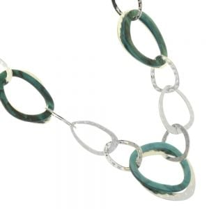 Accent of Colour Fashion Jewellery: Mid-Length Shiny Silver Tone Interlinked Hoop Necklace with Marbled Teal Resin Detail   (M451)