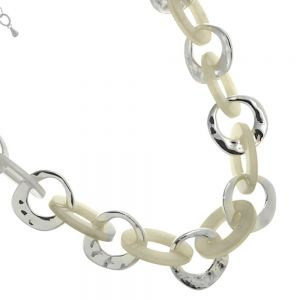 Accent of Colour Fashion Jewellery: Silver plating alloy/resin hooped short necklace
