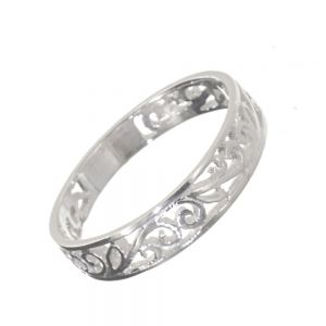 Sterling Silver Jewellery: Beautiful Band Ring with Intricate Swirling Design