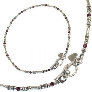 Hand Made Opulant Silver and Garnet bead necklace with a lovely T-Bar detail (N420)