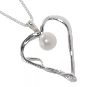 Banyan Sterling Silver Jewellery: Unusual Twisted Heart Pendant with White Freshwater Pearl (n387)
