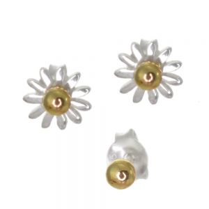 Floral Sterling Silver Jewellery: Pretty Daisy Stud Earrings with Gold Plated Detail (7.5mm) (E17)