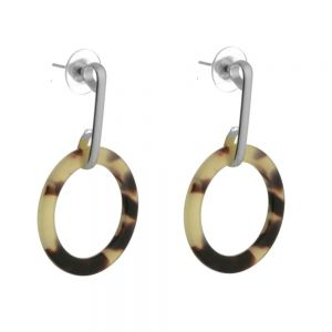 Contemporary Fashion Jewellery: Shiny silver earring with tortorise acrylic circle (M55)