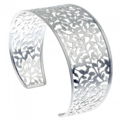 What makes the purchase of silver jewellery easier!